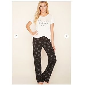 """Forever 21 """"You Kitten Me""""? Cat Graphic Pajamas S"""
